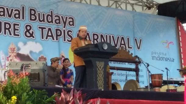 Ridho Ficardo saat membuka acara festival krakatau 2015 | Nizar/jejamo.com