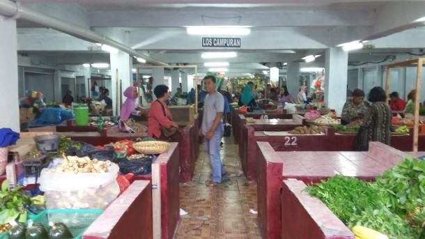 Areal basement Pasar Tugu Bandar Lampung sepi pengunjung | Nizar/jejamo.com