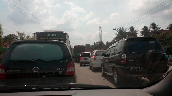 Jurnalisme Warga: Jalinsum Tegineneng-Bandar Lampung Macet Parah Sepanjang Lima Kilometer
