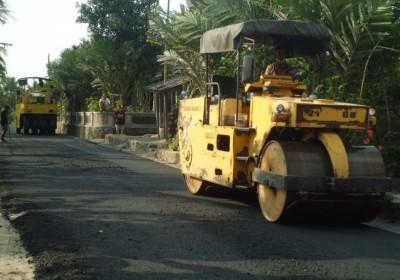 Anggota DPRD Lampung Tengah Minta Pemkab Gandeng Swasta Perbaiki Infrastruktur