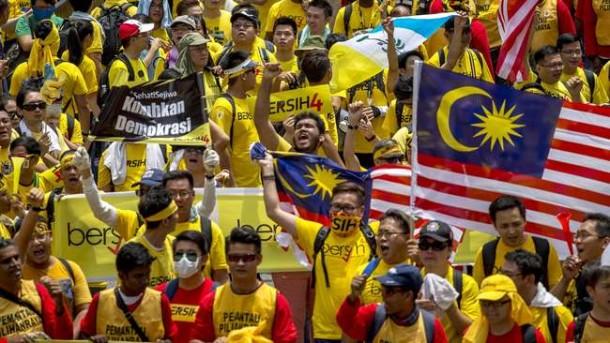 Aksi Protes Hari Kedua di Malaysia Berlanjut tanpa Terompet