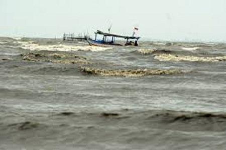 BMKG: Gelombang Lima Meter Berpeluang Terjadi di Perairan Lampung