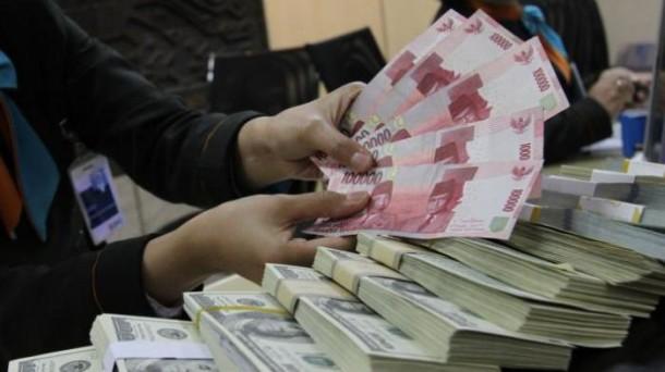 Harga Emas Antam Dijual Turun Rp 1.000 per Gram