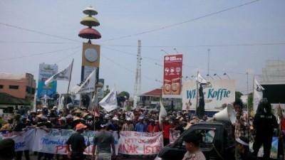 Aksi peringatan Hari Tani di Bundaran Gajah, Tugu Adipura, Bandar Lampung | Widya/jejamo.com