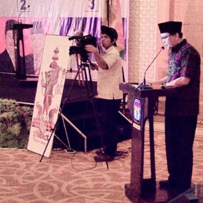 Debat Kandidat Calon Walikota Bandar Lampung, Pendukung Tampil Nyentrik