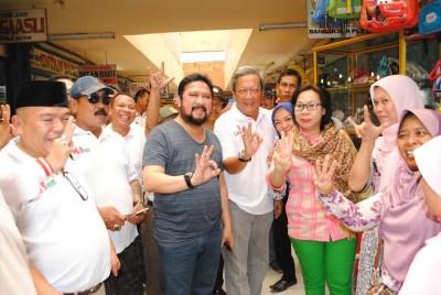 Ribuan Bidan Demo di Jakarta