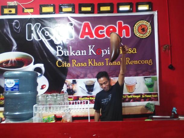 """Kedai Aceh Salah Satu Pilihan Tempat """"Nongkrong"""" di Kota Metro"""