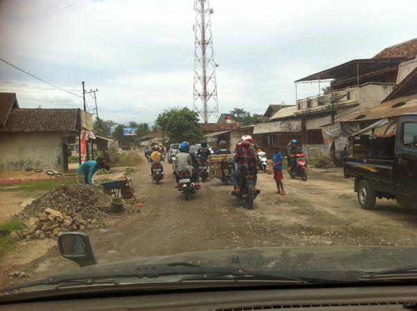 Perbaikan Jalan, Pemkab Lamteng Harus Koordinasi dengan Pemprov dan Pusat