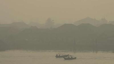 Kabut Asap di Palembang Makin Pekat, Siswa Dipulangkan