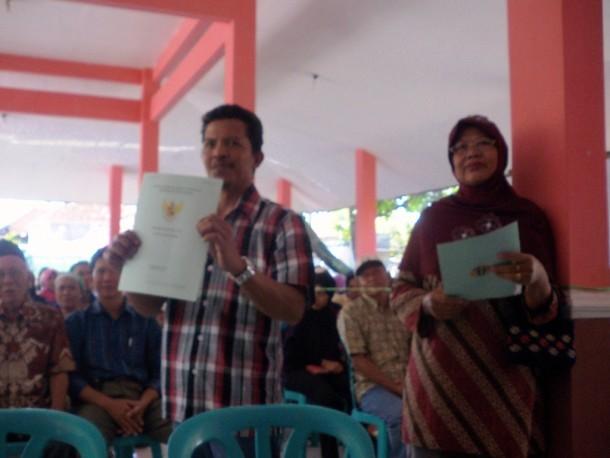 Pembagian sertifikat tanah melalui Prona | ist