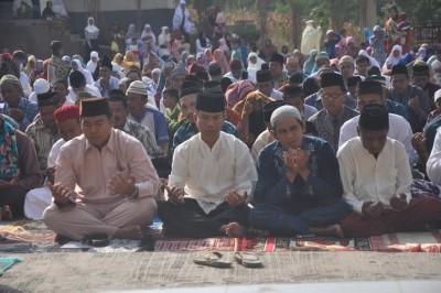 Rycko Menoza salat Idul Adha di Kecamatan Bakauheni | ist