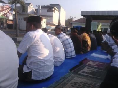 Foto: Gubernur Lampung Ridho Ficardo Bersama Istri di Tanah Suci