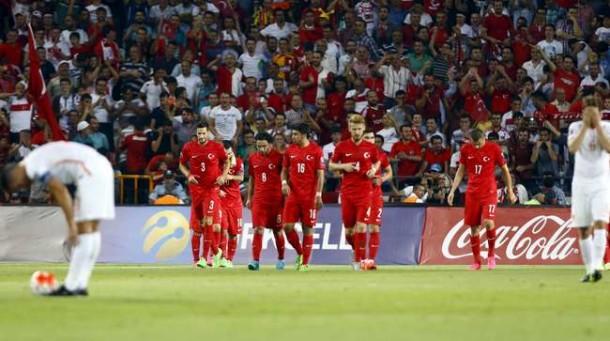 Kesebelasan Turki menghajar Belanda 3-0 | Reuters