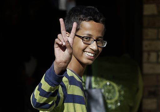 Ahmed Muhamed Remaja Pembuat Jam Tinggalkan Amerika