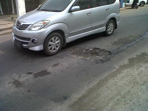 Jalan Ki Maja Bandar Lampung Berlubang, Pengendara Sering Jatuh