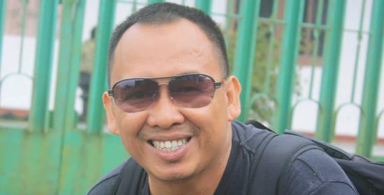 Jurnalis Adian Saputra | Facebook