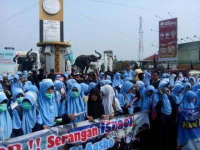 Seribuan Masa Cinta Al-Aqsa Longmarch menuju Bundaran Gajah Bandar Lampung