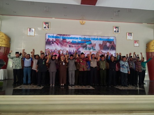 Masyarakat dan Tokoh Adat Lampung Tengah Sepakat Dukung Langkah Bupati
