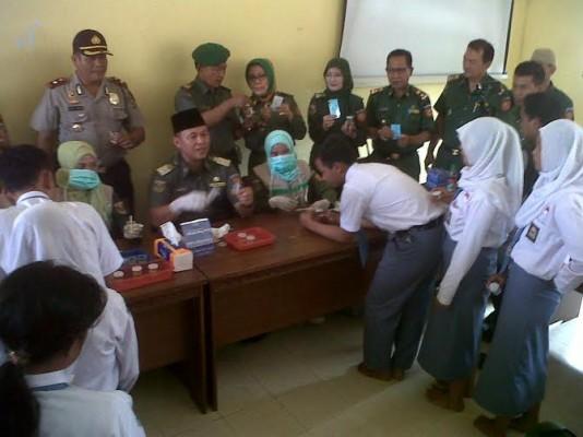 Plt Kepala SMAN 16 Bandar Lampung Tindak Lanjuti Tuntutan Siswa