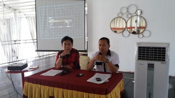 Pemred Jejamo.com Adian Saputra (kanan) dan Komisaris Habib Mawandhi | Nizar/jejamo.com