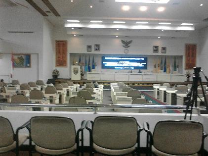 Rapat Paripurna DPRD Lampung Molor