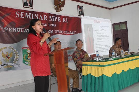 "Seminar ""Penguatan Sistem Demokrasi Pancasila"" di Aula Balai Desa Pugungraharjo, Kecamatan Sekampung Udik, Lampung Timur (Lamtim), Sabtu, 17/10/2015. |"