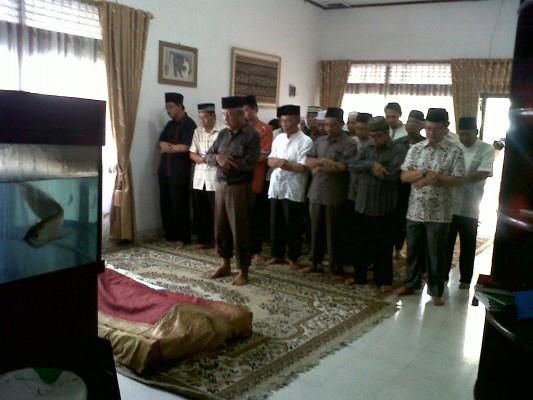 Mantan Walikota Bandar Lampung Herman HN Sambangi Rumah Alm.Thabranie