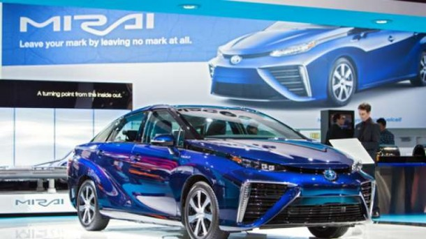 Toyota Targetkan Jual 30.000 Mobil Hidrogen