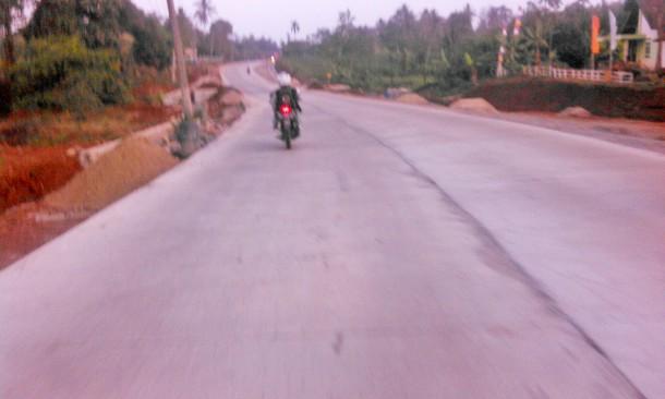 Kondisi ruas Jalan Lintas Pantai Timur (Jalinpantim) di Kabupaten Lampung Timur yang telah diperbaiki | Winar/waratwan jejamo.com