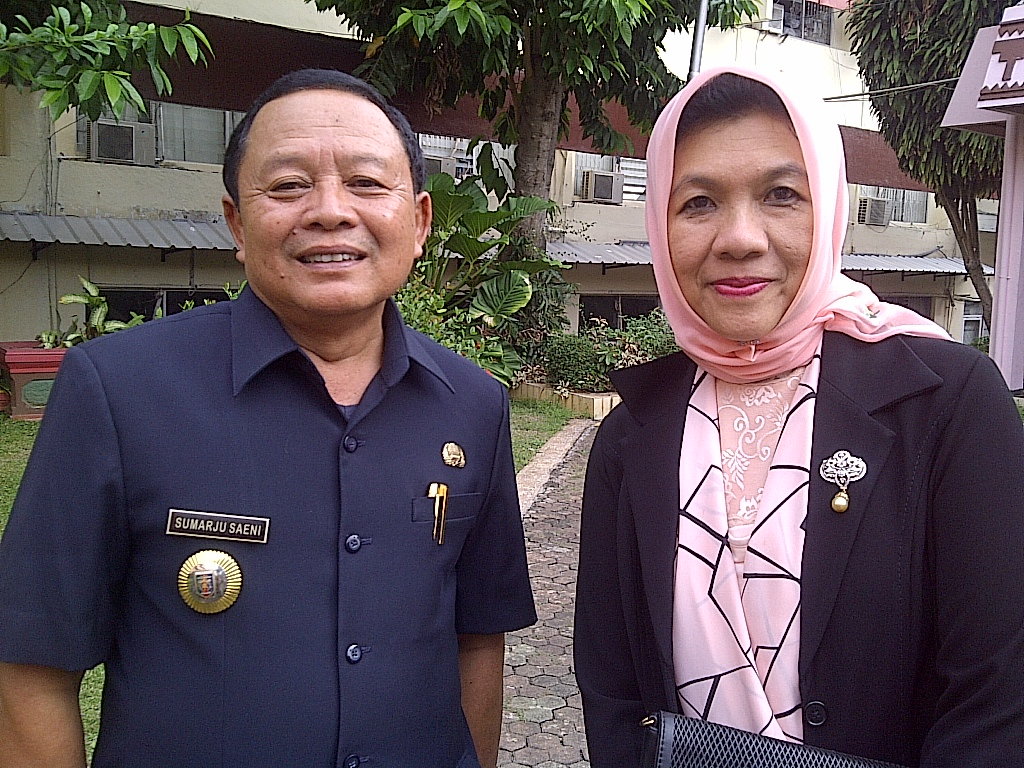 Kepala Dinas Peternakan Provinsi Lampung Dessy Romas (Kanan) | Widya/Jejamo.com