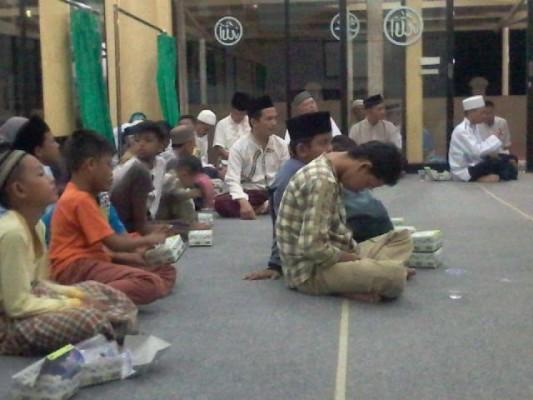 Warga Sepang Jaya Peringati 1 Muharram Dengan Menggelar Pengajian Bersama