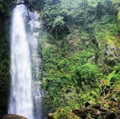 Eksotisme Air Terjun Lembah Pelangi di Tanggamus