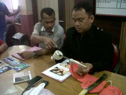 Polresta Bandar Lampung menggelar ekspose, terkait kasus penikaman dua anggota polisi Aiptu Sepriansyah, anggota Polsek Sukarame dan Brigpol Dwi Sepriyanto, anggota Polresta, Sabtu, 7/11/2015 | Andi/jejamo.com