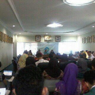 Suasana FGD di Fakultas Hukum Unila tentang sosialisasi Prolegnas, Jumat, 27/11/2015. | Rico/jejamo.com