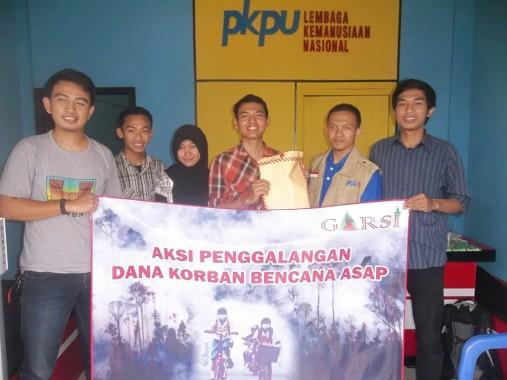 Garsi dan Himasylva kumpukan Rp6 juta untuk korban kabut asap yang dititipkan kepada PKPU Lampung. | Ist