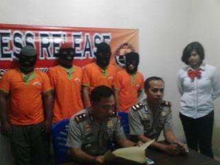 Kompol  Hermansyah Gumay (kiri bawah )  |Andi/jejamo.com