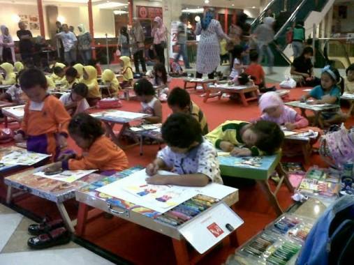 Ratusan Siswa PAUD dan TK Ikuti Lomba Mewarnai di Mall Kartini Bandar Lampung