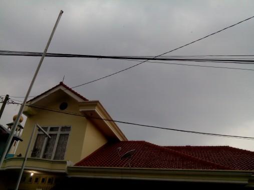 Mendung menggelayuti Kota Bandar Lampung, Sabtu sore, 7/11/2015. | Adian Saputra/jejamo.com