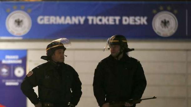 Teror di Paris, Timnas Jerman Terpaksa Bermalam di Stadion
