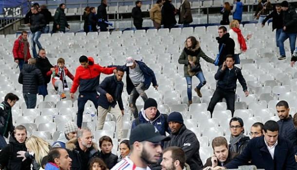 Kepanikan di Stade de France saat aksi teror di luar stadion | Reuters