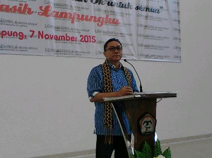 Ketua MPR  Zulkifli Hasan Minta Gubernur Lampung Perbaiki Jalan
