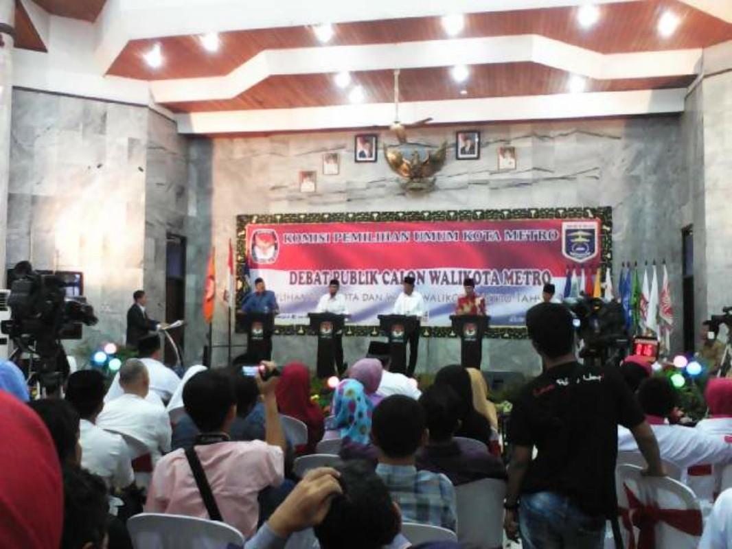 Debat Kandidat Metro, Lima Paslon Adu Visi Misi
