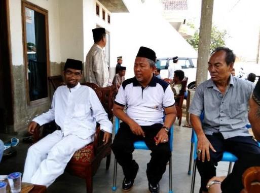 Calon Wali Kota Metro Abdul Hakim Takziah Anak IT Jejamo.com