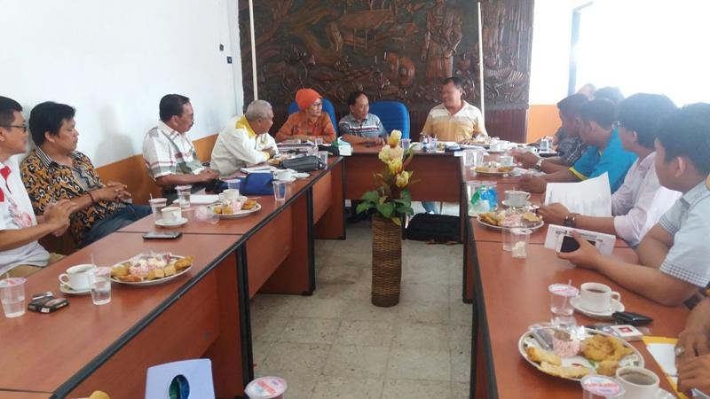Rapat koordinasi panitia di kantor DPD partai Hanura, Minggu 15/11/2015. | Ist.