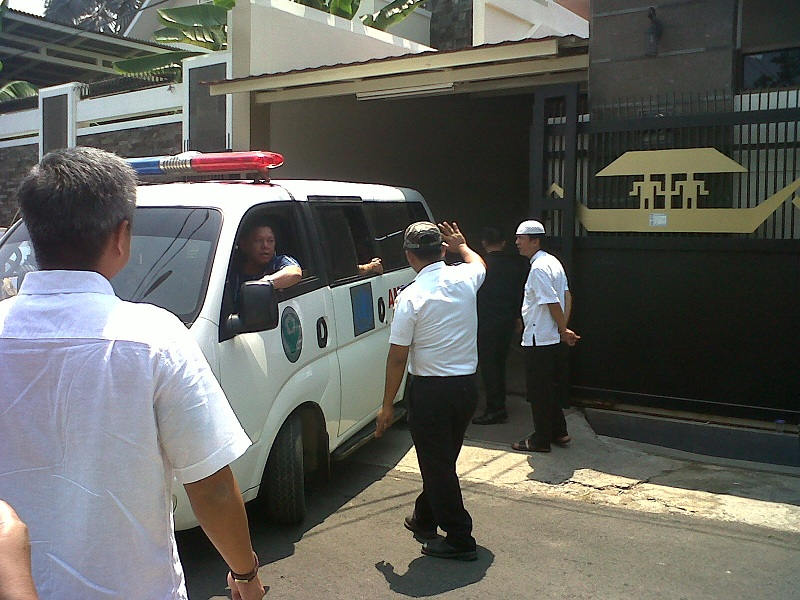 Jenazah Alm. Khaidir Anwar Tiba di Kediaman Mantan Gubernur Lampung