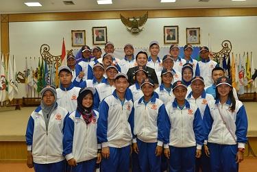 Ridho Lepas Kontingen Porwil Lampung ke Bangka Belitung