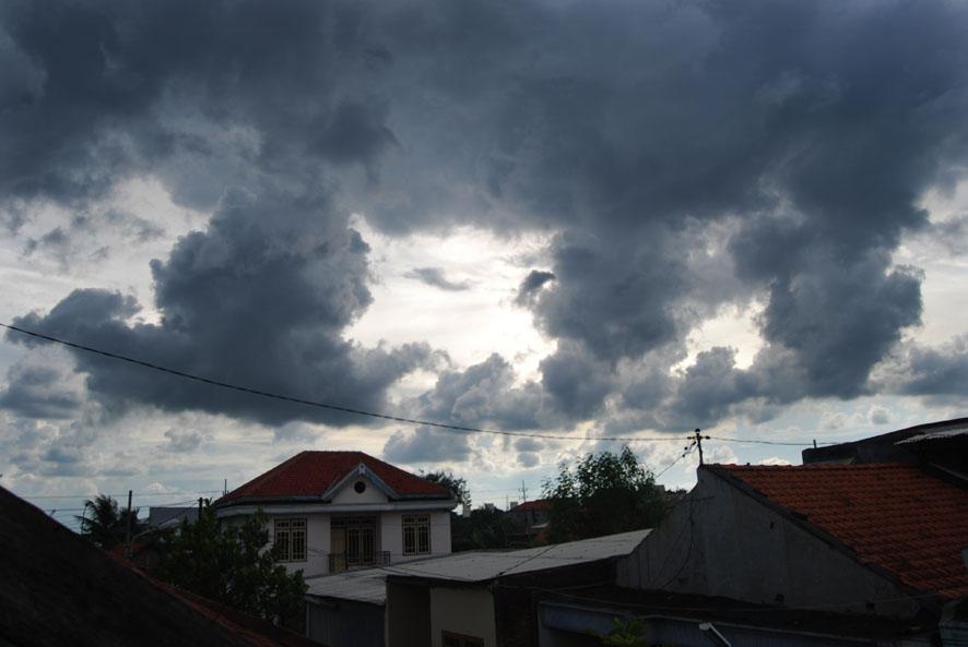Memasuki November masyarakat diminta waspada terhadap cuaca ekstrem. (Ilustrasi) | Jejamo.com