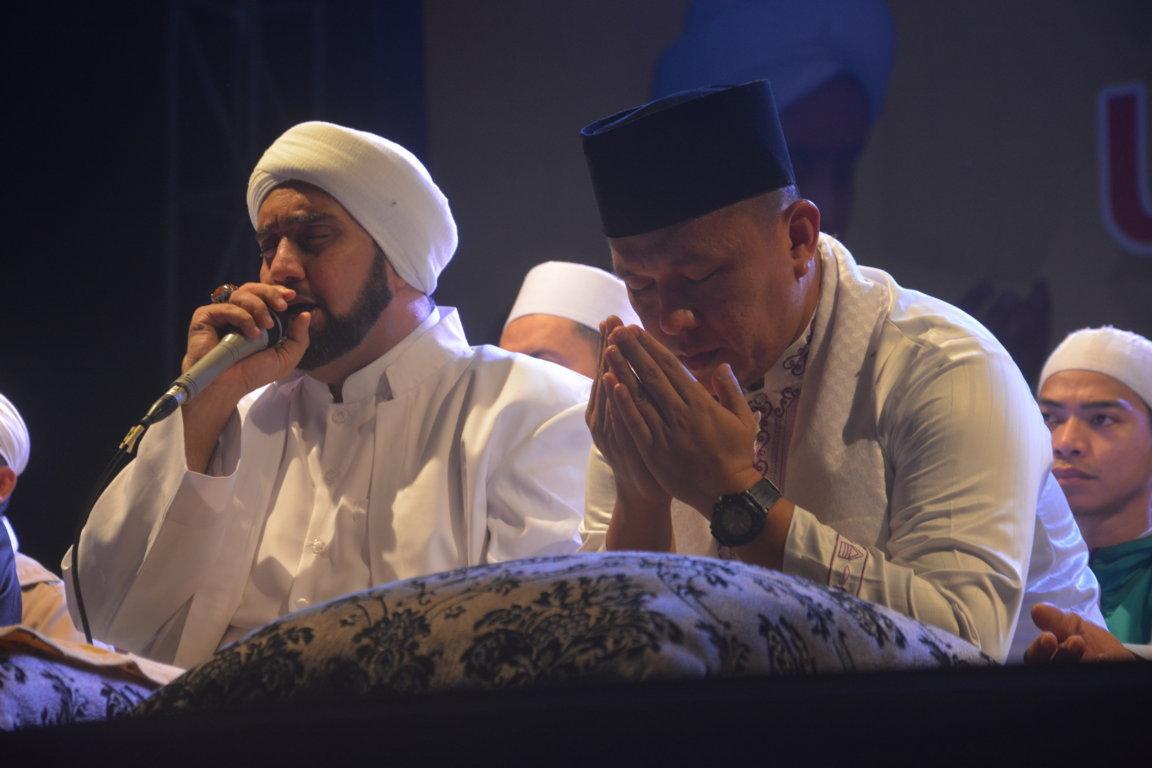 Bersama Puluhan Ribu Warga, Mustafa Doakan Lampung Tengah