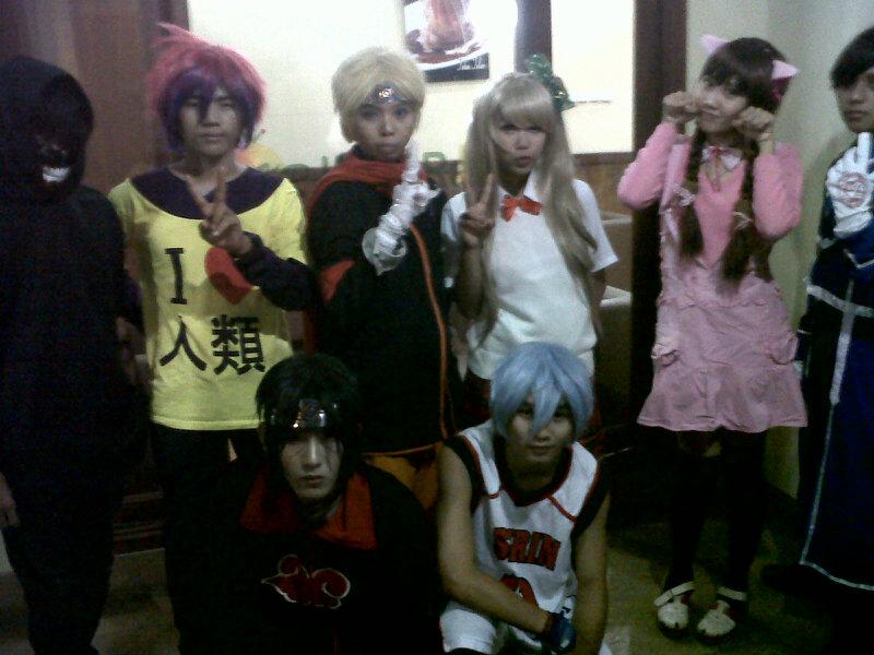 Komunitas Replay berkostum Naruto dan teman-temannya di Karas Cream Bandar Lampung. | Widya/Jejamo.com
