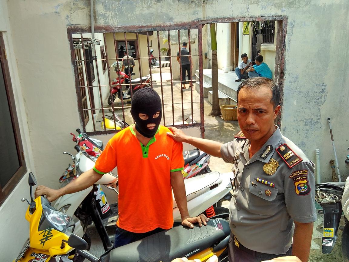 Baru 5 Bulan Diperbaiki, Jalan di Pasar Gintung Sudah Rusak